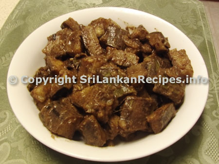 Sri Lankan Ash plantain/green banana black curry recipe